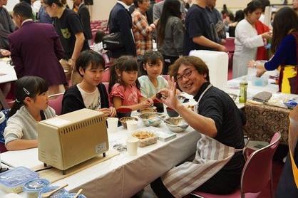 ロータリーメンバーによる無料『味噌玉作り』たくさんの子ども達が来てくれました。