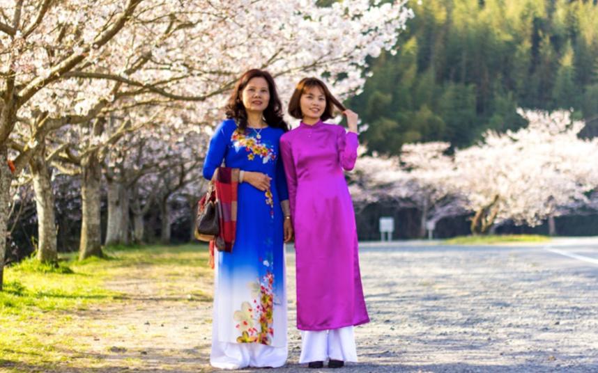 ベトナムの民族衣装アオザイ